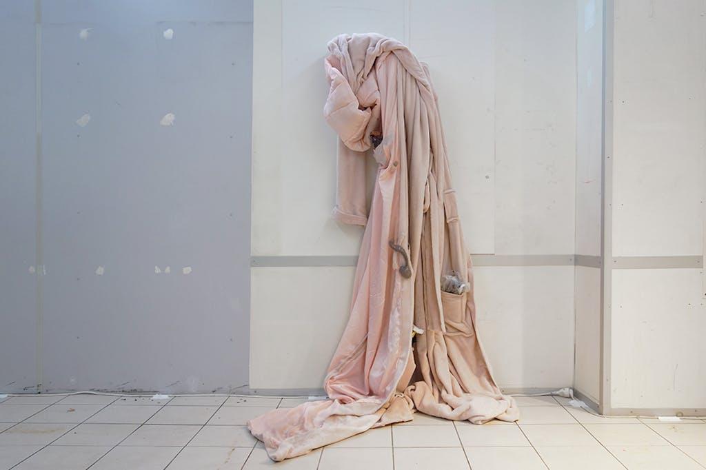 Méfie toi du vent léger - © Paris Internationale
